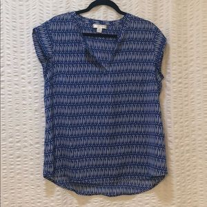 Blue with white pattern Kenar top